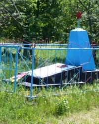 Братская могила в с.Маячка (Новосанжарский р-н)