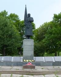 Братская могила в с.Нехвороща (Новосанжарский р-н)