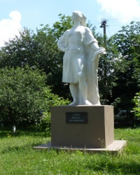 Памятник женщинам-труженицам в пгт.Губиниха (Новомосковский р-н)