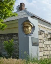 Памятник Челову Н.М. в г.Керчь