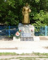 Памятник воинам-односельчанам в с.Зеленовка (Приморский р-н)