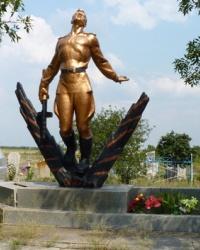 Братская могила советских воинов  г.Токмак (на кладбище)