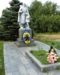 Братская могила 120 воинов в с.Михайловка (Вольнянский р-н)