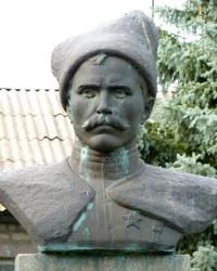 Памятник Чапаеву В.И. в с.Михайловка (Вольнянский р-н)