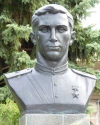 Памятник А. Т. Слободчикову в с.Михайловка (Вольнянский р-н)