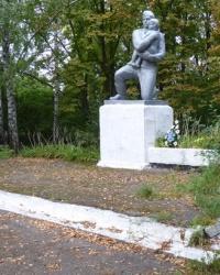 Памятник воинам-односельчанам в с.Довгалевка (Миргородский р-н)