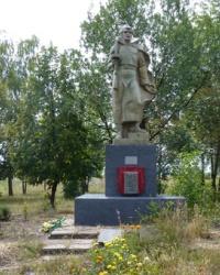 Памятник воинам-односельчанам (1941-1945) в с.Подол (Великобагачанский р-н)