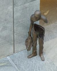 Памятник погибшему Геннадию Аксельроду в г.Днепропетровск