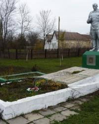 Памятник воинам-односельчанам в с.Новопетровка (Запорожский р-н)
