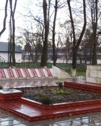 Братская могила советских воинов в пгт. Панютино (Харьковская область)