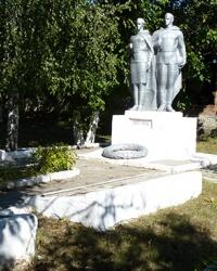 Братская могила в с. Лозоватка (Пятихатский р-н)