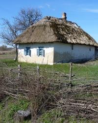 Українська хата у с. Підлужжя (Рим)