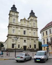 Греко-каталицький катедральний собор св. Воскресіння (1729 р.) в м. Івано-Франківськ