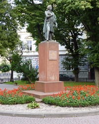 Пам'ятник поетові Адаму Міцкевичу в м. Івано-Франківськ