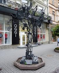 Коване «дерево щастя» в м. Івано-Франківськ