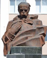 Пам'ятник Т.Г.Шевченку в смт. Богородчани