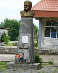 Пам'ятник Т.Г.Шевченко в с Боднарів