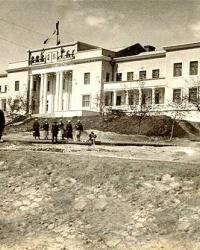 Дворец культуры Чайка (бывший ДК Моряков) в Мариуполе