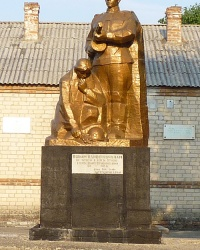 Памятник воинам-односельчанам в  с.Осипенко