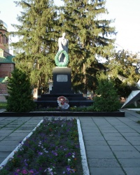 Братская могила советских воинов и партизан в Волчанске