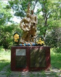 Братская могила советских воинов в с. Дибровка