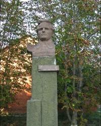 Памятник политическому деятелю С.М. Кирову в с. Крестище
