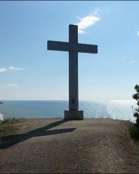 Поклонный Крест на вершине г. Каматра в с. Морское