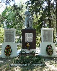 Братская могила советских воинов в с. Сковородиновка