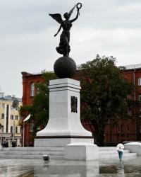 Новый памятник Независимости - «Ника на шаре»