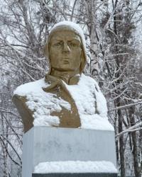 Памятник летчику Анатолию Добродецкому в г. Харьков