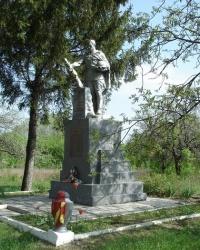 Братская могила советских воинов в Манченках