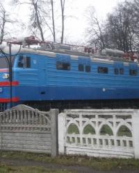 Памятник первому электровозу серии ВЛ-60 в г.Знаменка