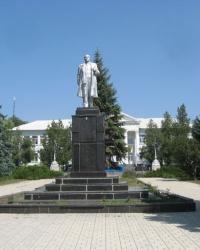 Памятник Ленину в Докучаевске