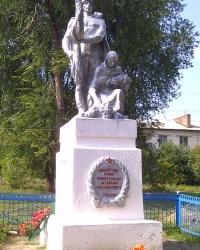 Воинский мемориал в селе Маяки
