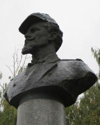 Памятник Домбровскому в Житомире
