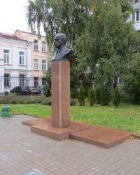 Памятник Б.Н.Лятошинскому в Житомире