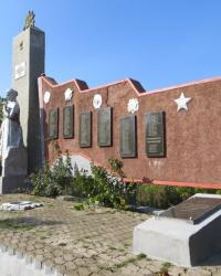 Воинский мемориал в Любовке