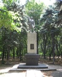 Воинский мемориал возле станции Мандрыкино