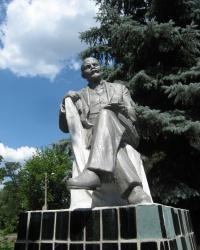 Памятник Ленину возле шахты Челюскинцев в Донецке