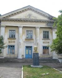 Бюст В.И.Ленина по ул.Трамвайной в Стаханове