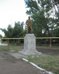 Памятник Ф.Э.Дзержинскому в Брянке