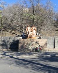 """Мемориал """"Жертвам фашизма"""" в Красном Луче"""