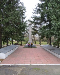 Воинский мемориал в селе Иллирия