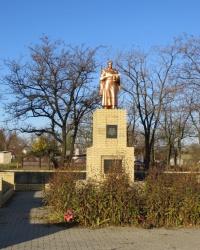 Воинский мемориал в селе Малониколаевка
