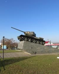 Памятник-танк в Лутугино