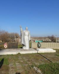 Воинский мемориал в поселке Георгиевка
