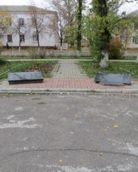 Памятники воинам-интернационалистам и ликвидаторам аварии на ЧАЭС в Счастье