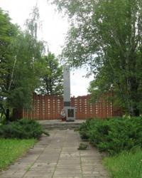 Памятник воинам-односельчанам в селе Первомайское(Ясиноватский район)
