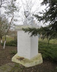 Памятник В.И.Ленину в Михайло-Лукашово