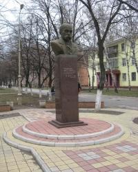 Памятник Т.Г.Шевченко на бульваре им.Димитрова в Горловке
